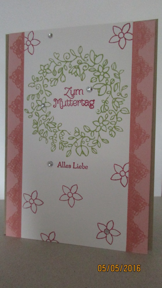 die erste Muttertagskarte in Kirschblüte