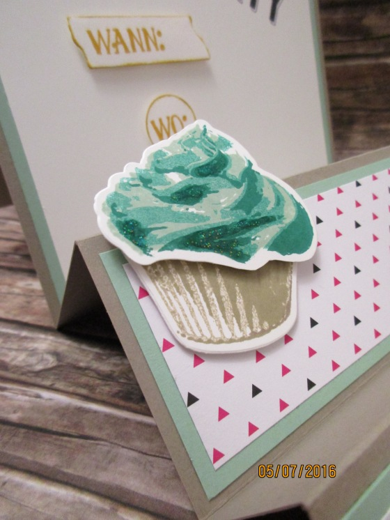 der Cupcake in Minzmakrone