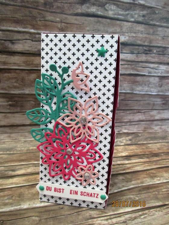 die Box mit Klappdeckel aus dem Designerpapier Pink mit Pep