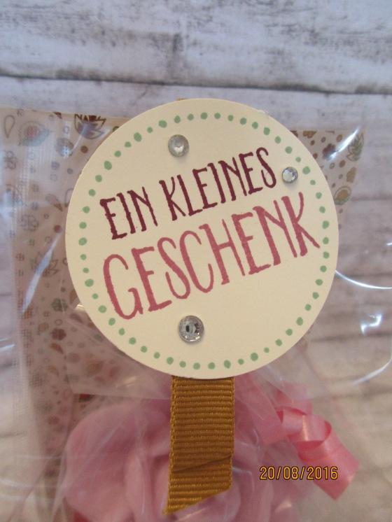 """Das Etikett """"Ein kleines Geschenk"""""""